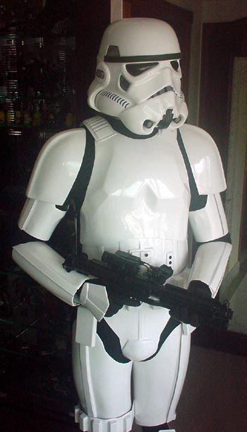 This is also how my Marmit trooper is posed. The blaster is the best replica Stormtrooper E-11 blaster Iu0027ve seen. It is virtually identical ... & Stormtrooper additional pictures - KLu0027s OOHYEAH Collection (Star ...