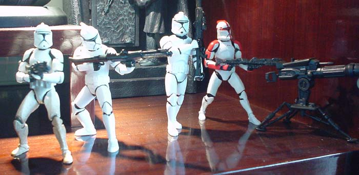 http://www.oohyeahzone.com/collection/cb/cb-hang-mid-04b-clone-troopers.jpg