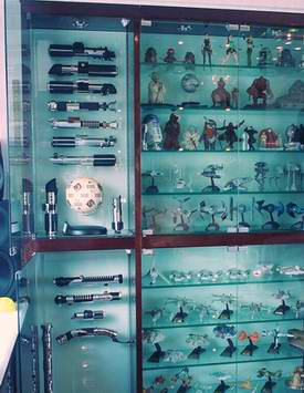 http://www.oohyeahzone.com/collection/cb/lightsaber-display-all-1.jpg